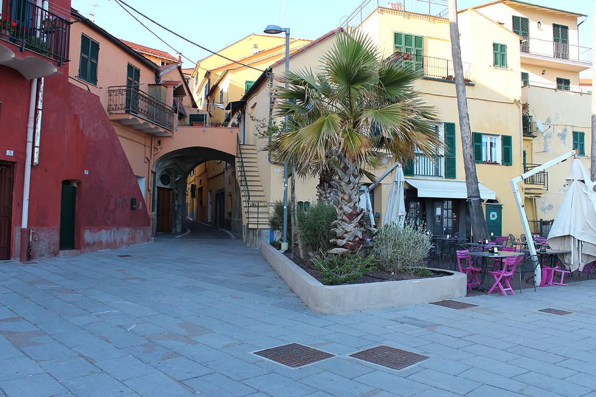 Borgo foce a imperia porto maurizio for Oneglia imperia
