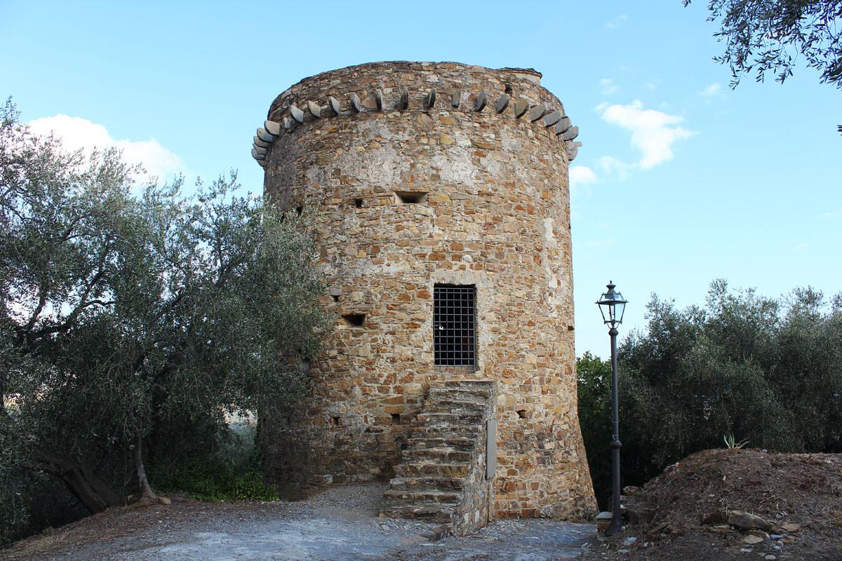 Torre saracena di Torrazza