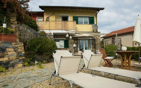 Casa Erbaea, Bilocale con splendida vista mare, Wifi gratuito e Mini Piscina Idromassaggio<br>(citra 008028-LT-0016)